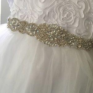 Girls white formal dress size 4